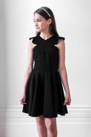 黑色褶边溜冰裙